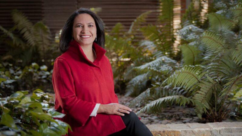 Eleonora Lozano Decana Facultad de Derecho Universidad de los Andes